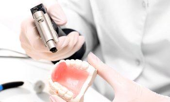 Riparazione protesi dentali